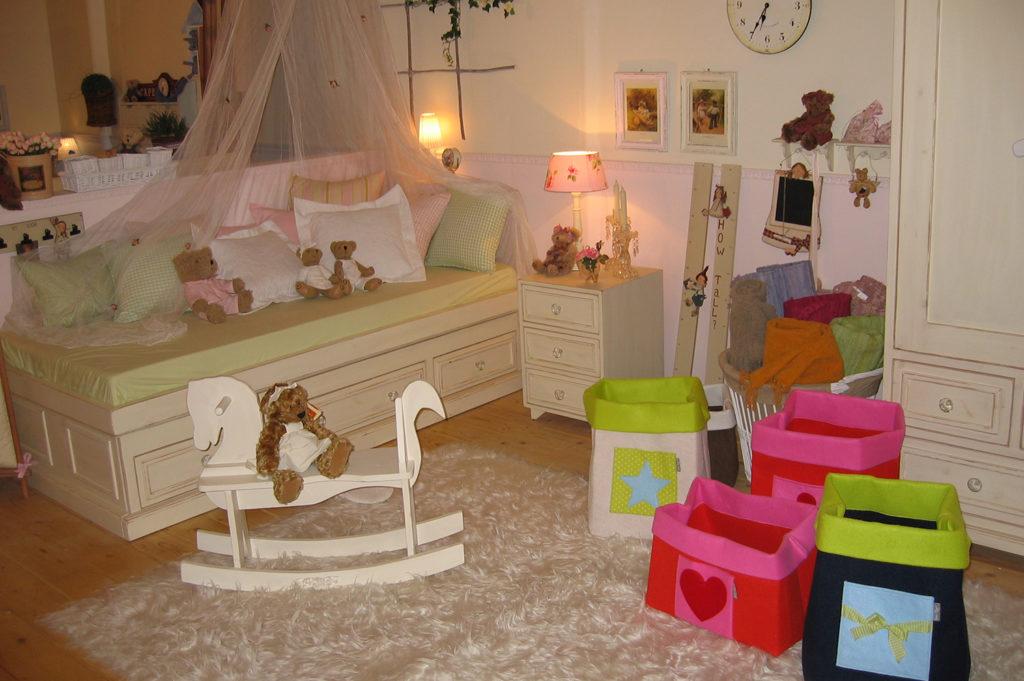 חדר מעוצב לילדה - שמנת עיצובים